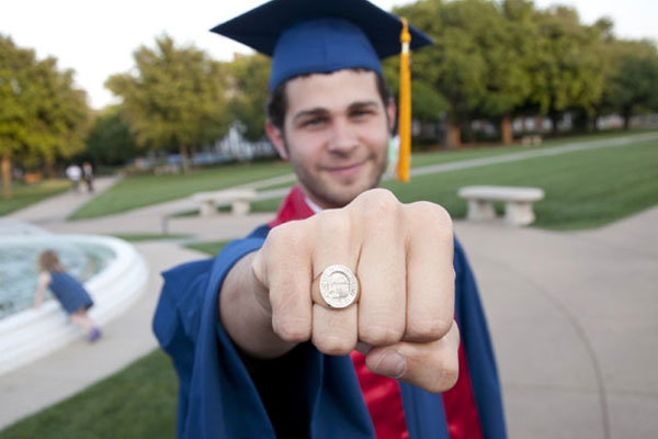 4 College Graduation Events for College Stores